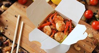Лапша рисовая с креветкой и овощами (Соус ореховый)
