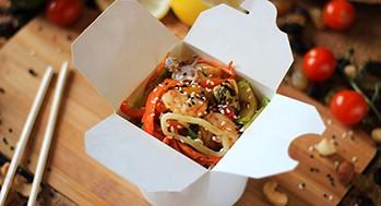 Лапша рисовая с морепродуктами и овощами (Соус карри)