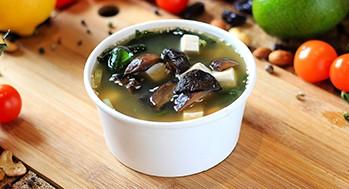 Мисо-суп с тофу и шиитаке