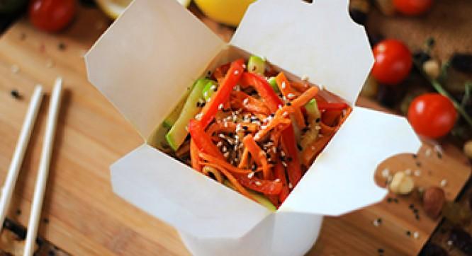 Лапша рисовая с овощами (Соус ореховый)